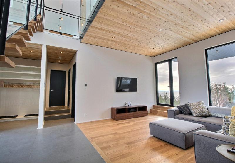 Maison-LaBlanche-sous-sol-escalier